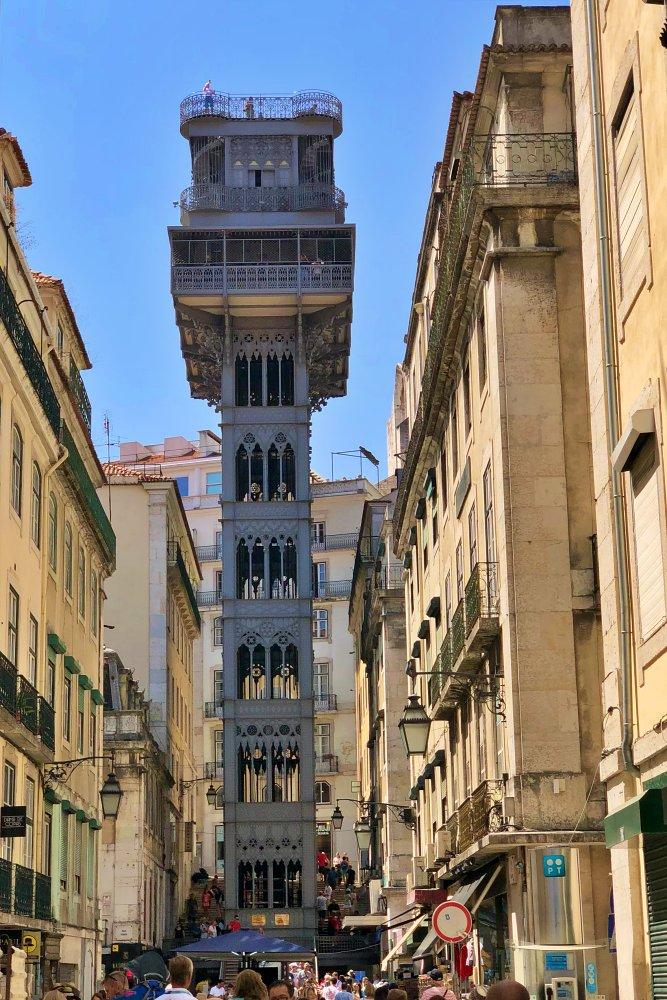 Elevador de Santa Justa beim Tagesausflug Lissabon auf eigene Faust