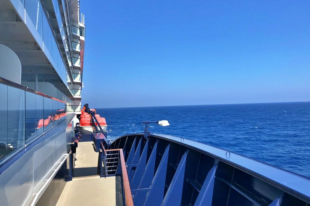 Mein Schiff 6 auf hoher See Richtung Gibraltar während der Kreuzfahrt Mallorca bis New York