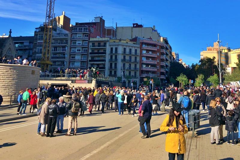 Eingang zur Sagrada Familia während unseres Landausflug Barcelona auf eigene Faust