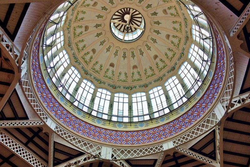 Kuppel der Markthalle in Valencia