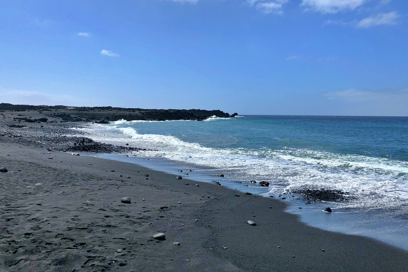Strand Playa Montaña Bermeja beim Landausflug Lanzarote auf eigene Faust