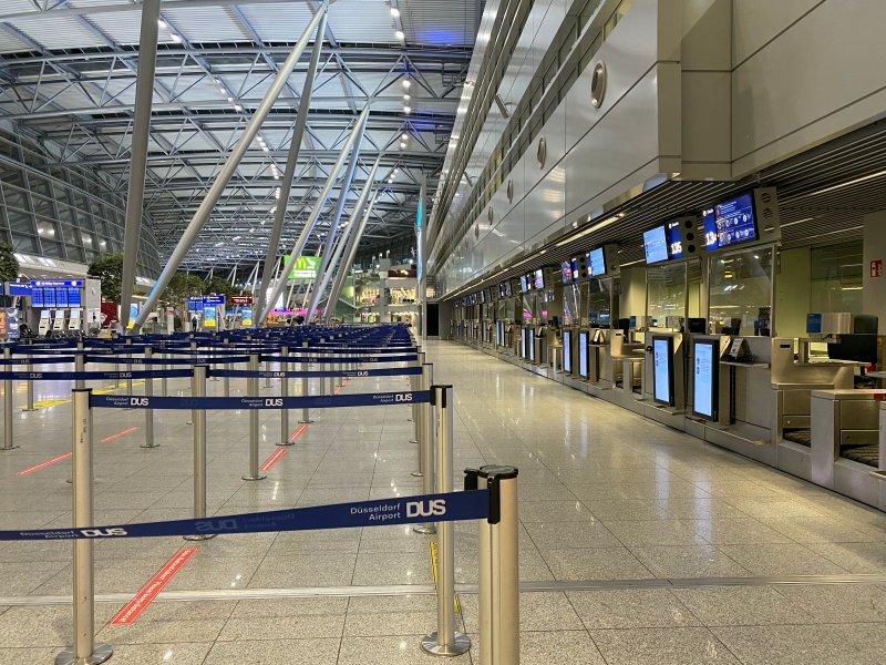 Flughafen Düsseldorf Start für unsere Kreuzfahrt Blaue Reise Kanarische Inseln