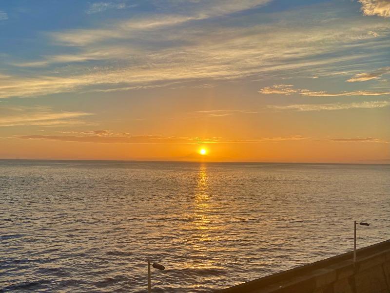 Sonnenaufgang im Hafen von La Palma Kreuzfahrt Blaue Reise Kanarische Inseln