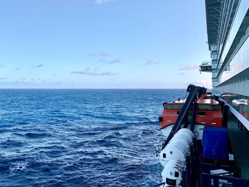 Mein Schiff 2 auf dem Atlantik während der Kreuzfahrt Blaue Reise Kanarische Inseln