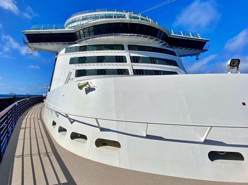Am Bug der Mein Schiff 2 bei der Kreuzfahrt Blaue Reise Kanaren - Kanarische Inseln