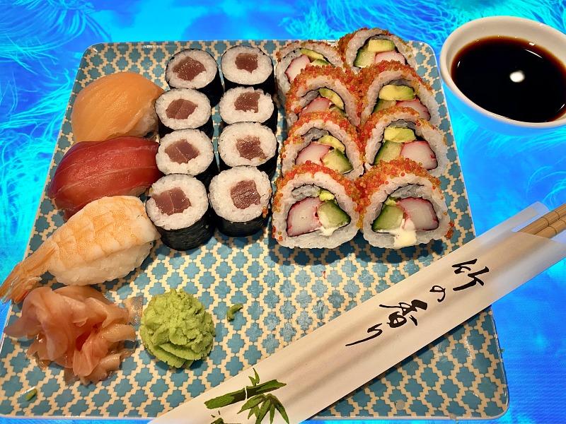 Sushi beim Workshop während der Kreuzfahrt Blaue Reise Kanarische Inseln